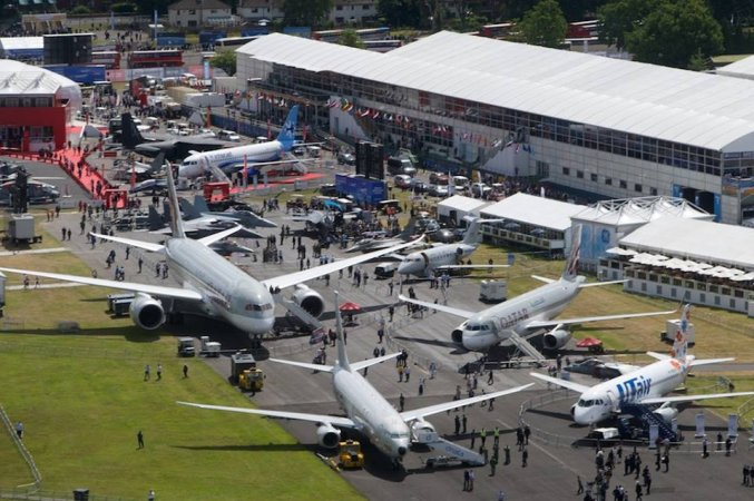 Авиасалон Фарнборо (The Farnborough International Exhibition and Flying Display)